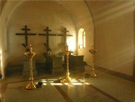 Часовня на могиле новомучеников