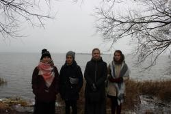 "На фоне озера Неро и острова ""Рождественский"""